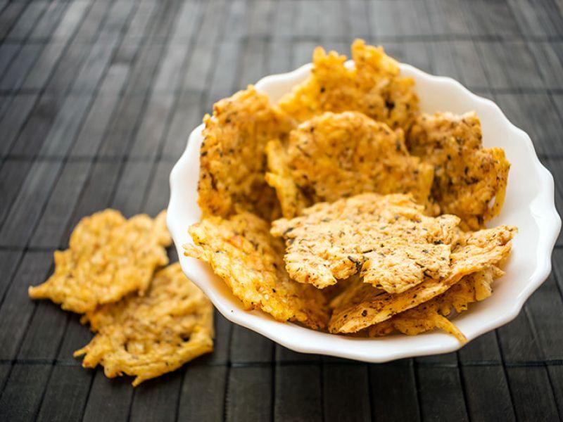 Chips de parmesan aux herbes et épices